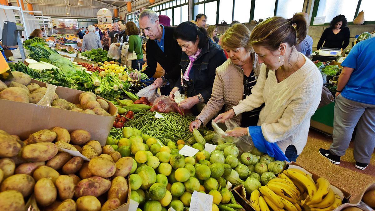 Mercado agrícola de La Vega de San Mateo. | | ANDRÉS CRUZ