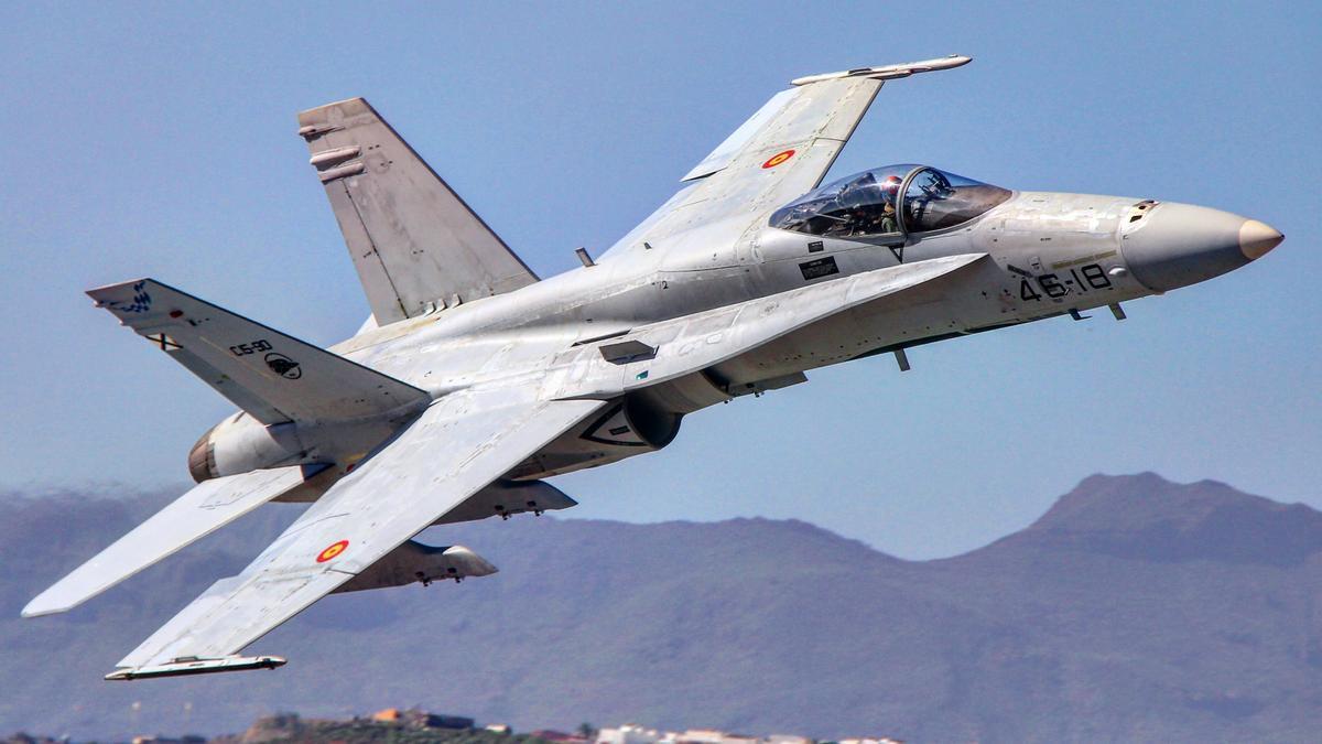 Uno de los caza del Ejército del Aire que se entrenan en Canarias.