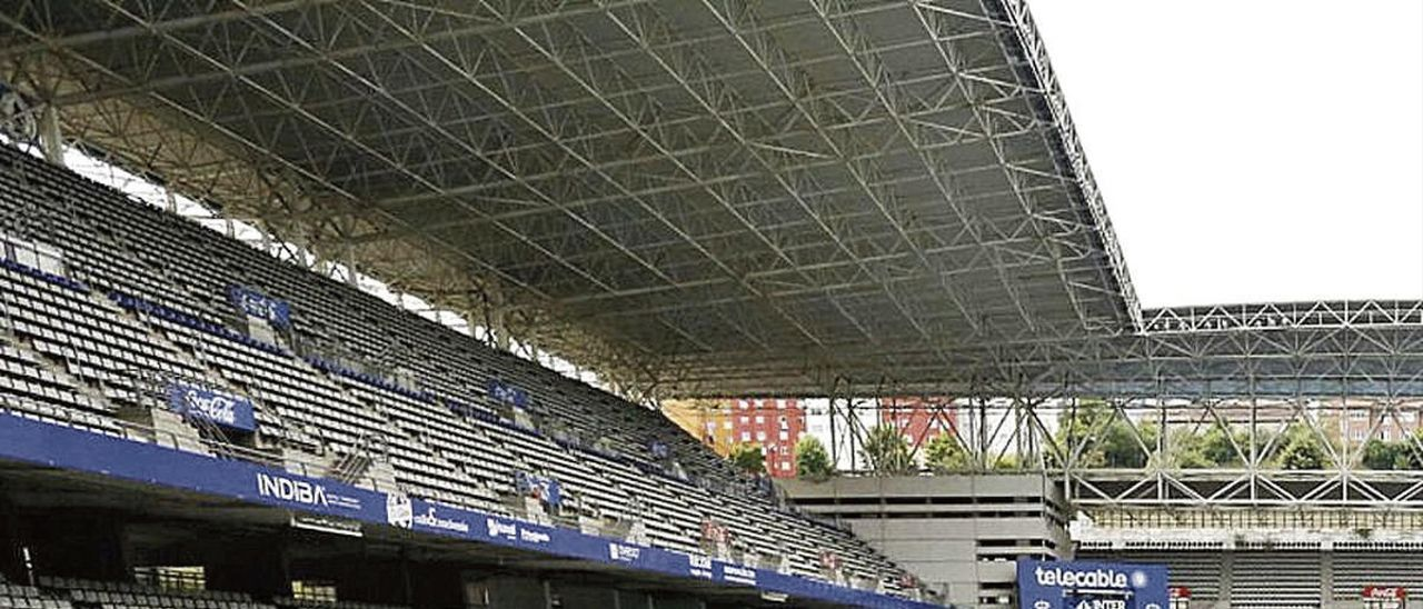 La grada del Tartiere, antes del partido ante la Ponferradina.