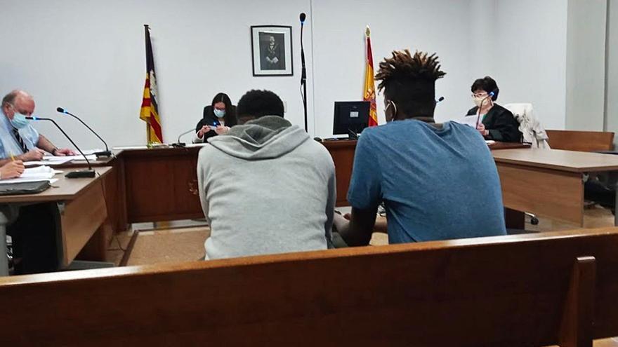 Condenados a 16 años de cárcel dos jóvenes por tres robos violentos en Palma