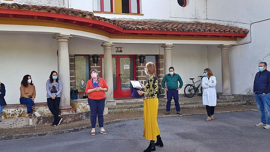 El Serida homenajea a Begoña de la Roza por su jubilación