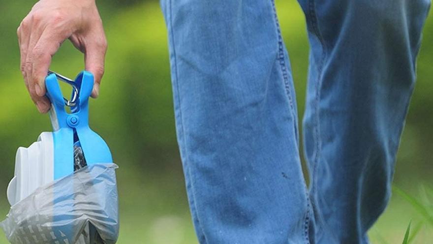 Los mejores recogedores para retirar los excrementos de tu perro