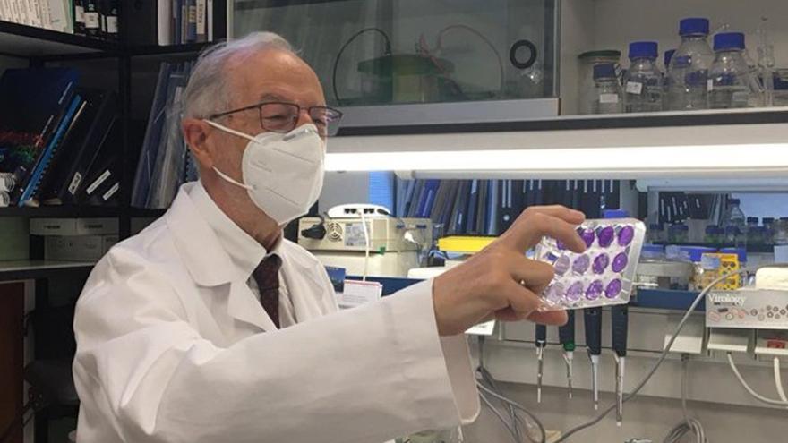 """Luis Enjuanes, el """"padre"""" de la futura vacuna española contra el Covid, hoy en el Club Prensa Asturiana"""