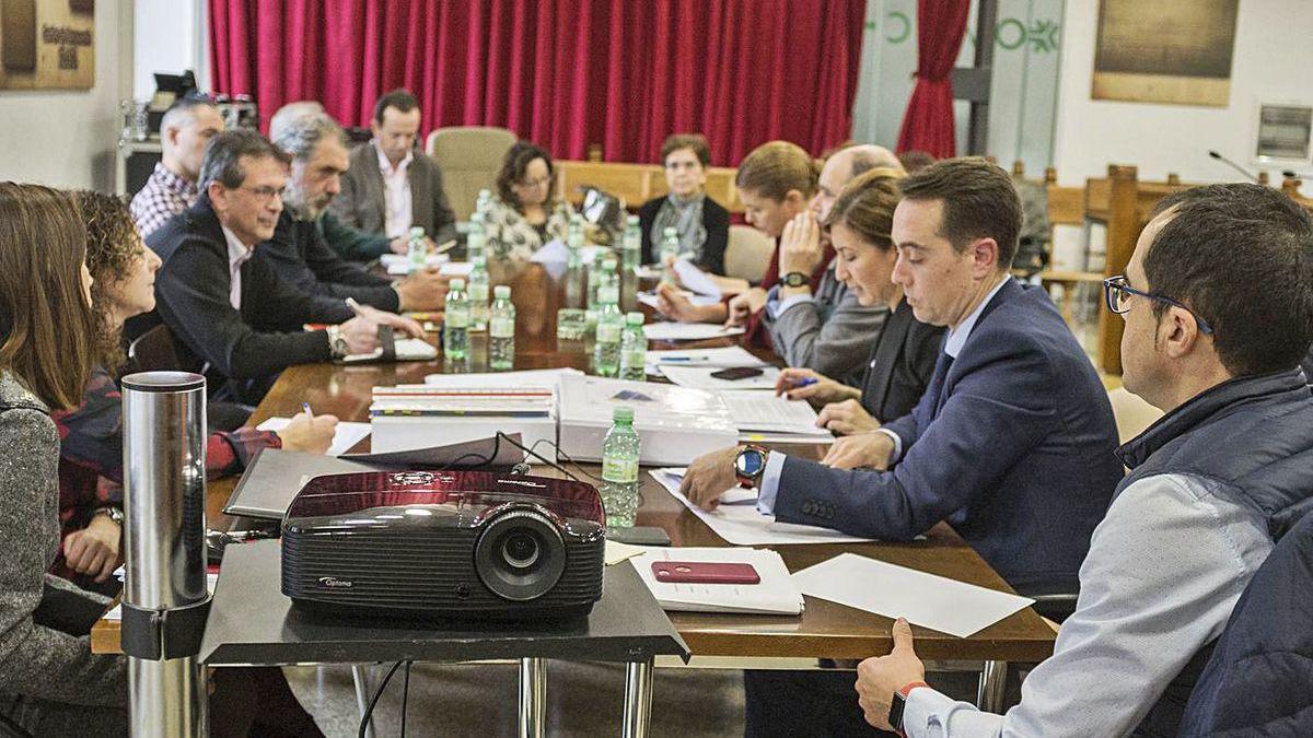 Imagen de la última comisión de seguimiento presencial del Plan de Fomento de Benavente en noviembre.