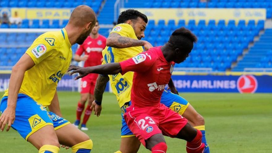Un gol de Ángel mantiene el sueño europeo del Getafe ante Las Palmas
