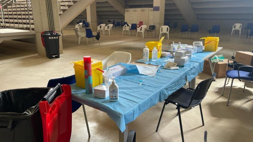 Salud suspende la vacunación de hoy en Nueva Condomina a 1.000 personas por problemas logísticos