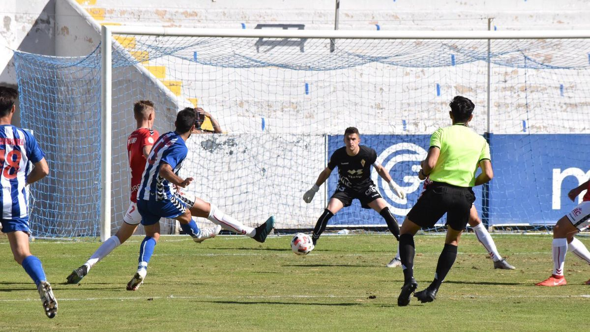 El Alcoyano vence al Murcia en El Collao