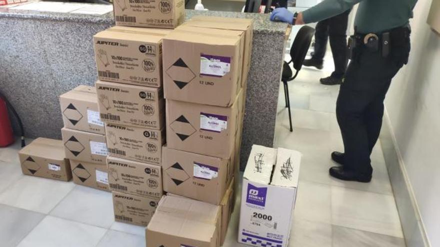 Policia y Guardia Civil intervienen en Mos centenares de mascarillas, alcohol y más de 11.000 guantes durante la crisis del coronavirus