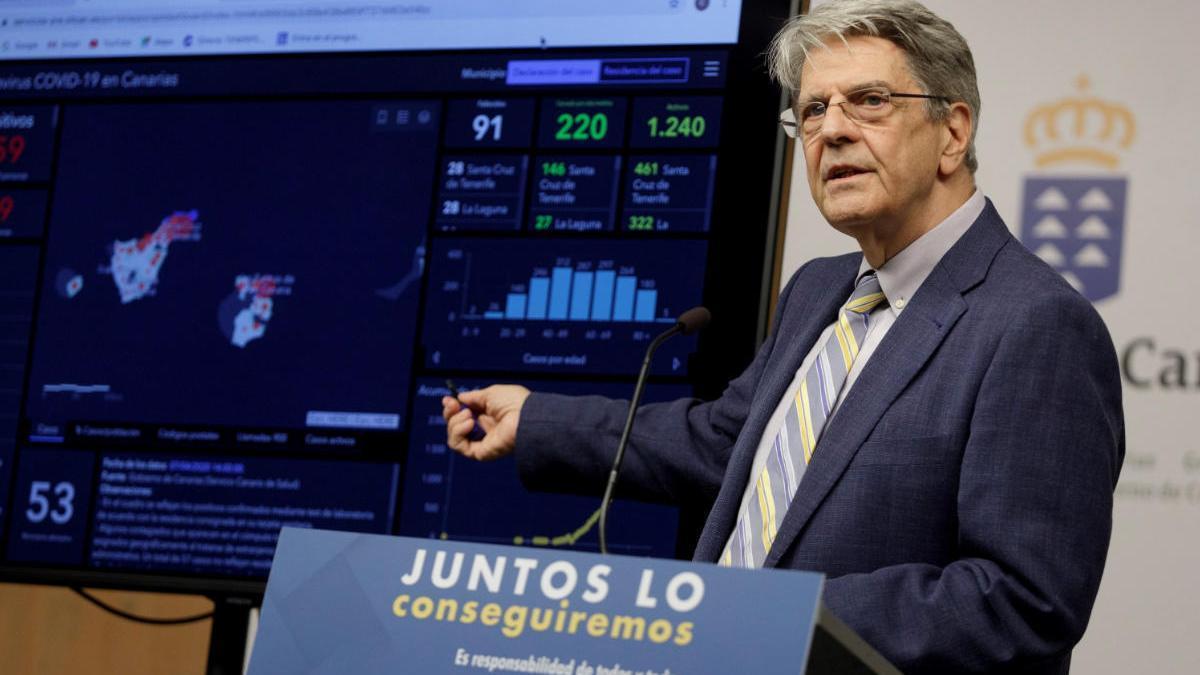 El consejero de Sanidad, Julio Pérez, durante la presentación de la herramienta.