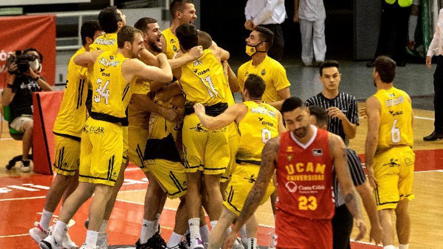 El Iberostar tira de épica en Murcia