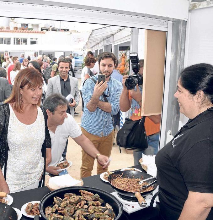 Auf der Mostra de la Llampuga in Cala Ratjada wurden am Sonntag (10.10.) von Tausenden Besuchern bis zu zwei Tonnen Fisch verspeist.