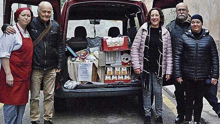La Pau entrega cestas al comedor social de Inca