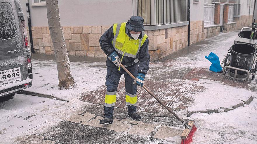 Cencellada en Zamora | La limpieza viaria de la ciudad, pendiente de 50 toneladas de sal