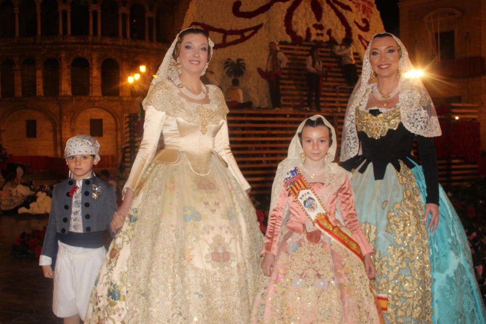 Sonia Remohí (corte 1991 y 2001) y  Susana Remohí (corte 1988 y fallera mayor 1998). Los dobletes se produjeron, en los dos casos, diez años después.