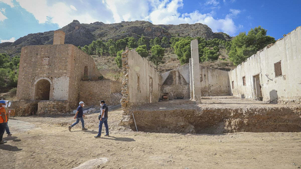 Orihuela saca del olvido el complejo minero de San Antón tras décadas de abandono
