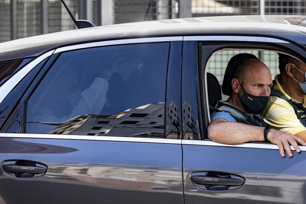 Traslado de los detenidos en la operación anticorrupción en la Autoridad Portuaria de Baleares.