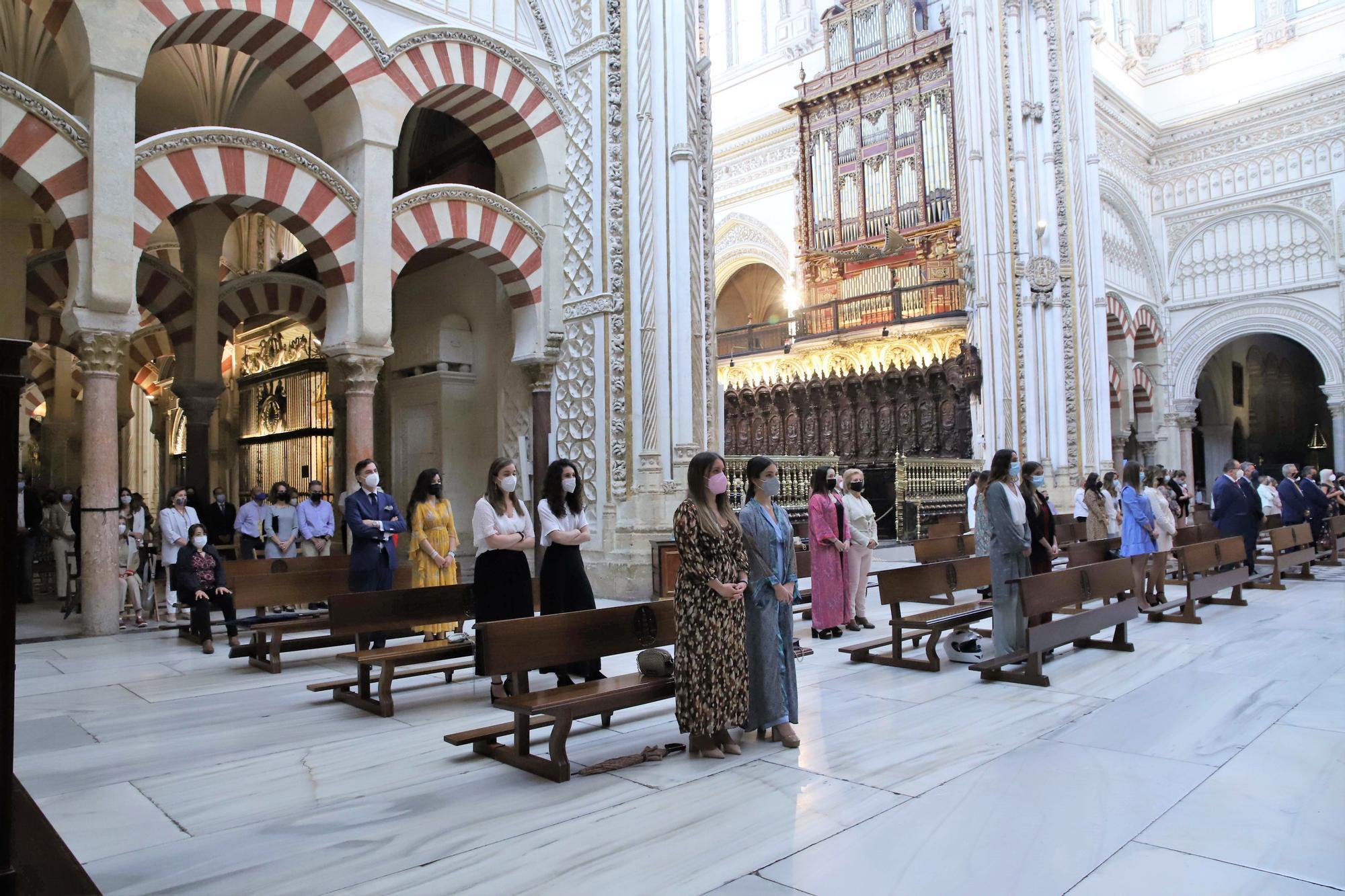 El Simpecado del Rocío en la Catedral