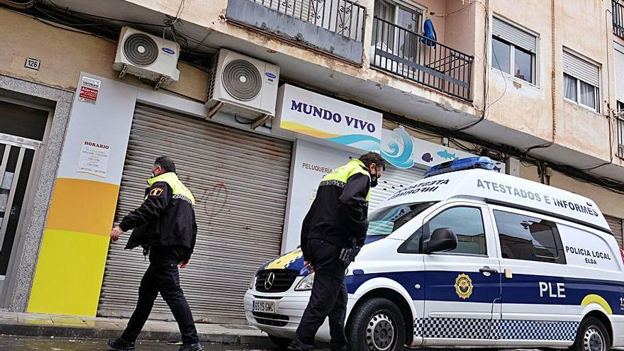 La Policía Local de Elda recibe 8 avisos al día de Emergencias de la Generalitat