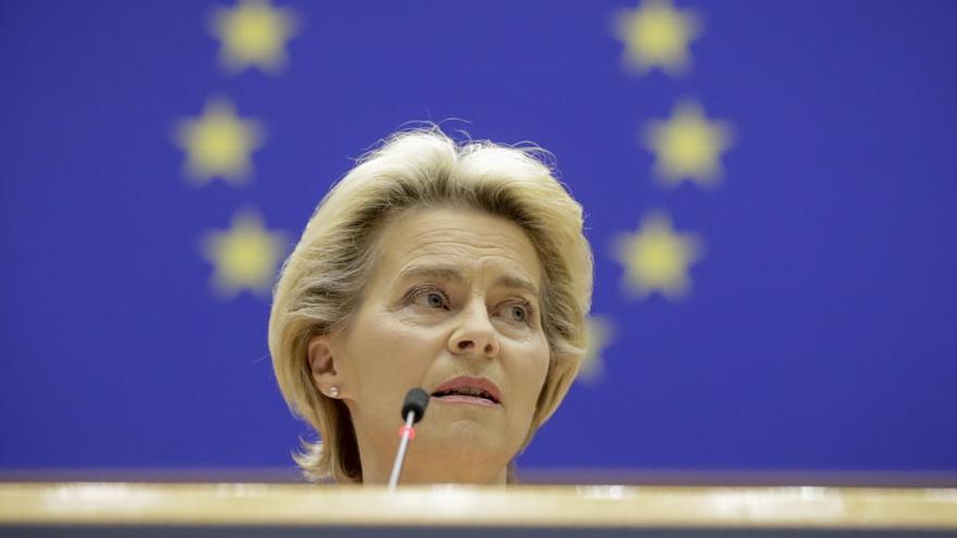 Von der Leyen cree que hay que debatir si dar a la UE competencias en Sanidad