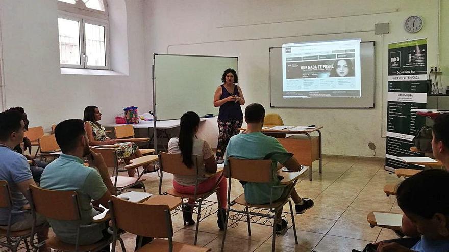La UNED Alt Empordà ho té tot  a punt per començar les classes del nou curs