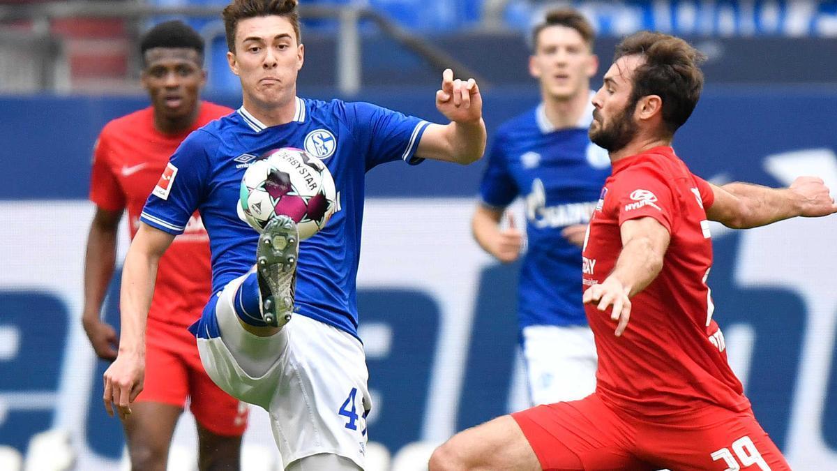 Matthew Hoppe (li.) war einer der wenigen Lichtblicke bei Schalke in der vergangenen Saison.