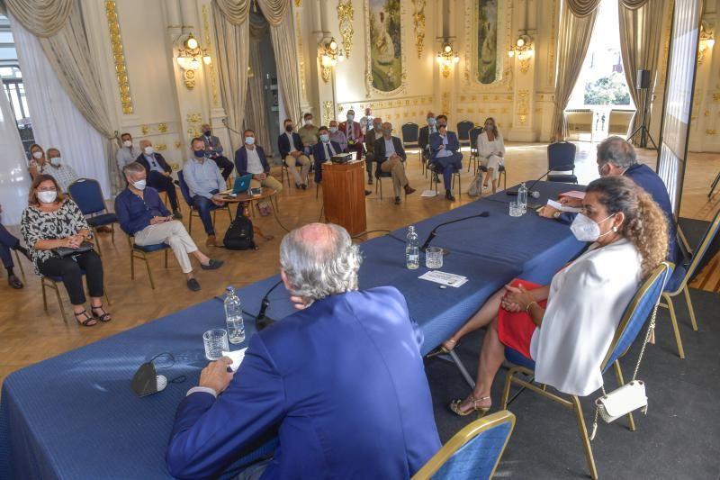 Debate sobre el proyecto turístico para el puerto de Santa Águeda