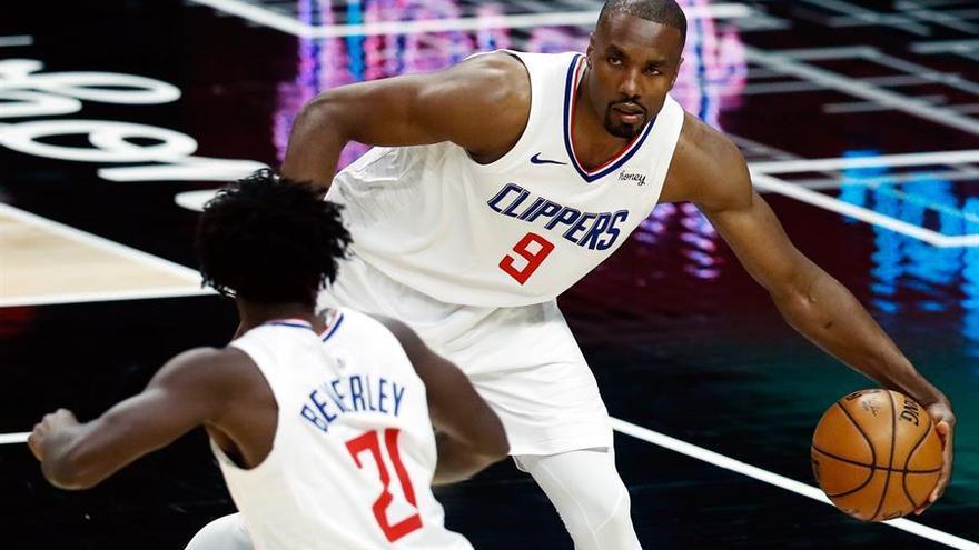 Los Clippers se vengan de los Grizzlies en Memphis