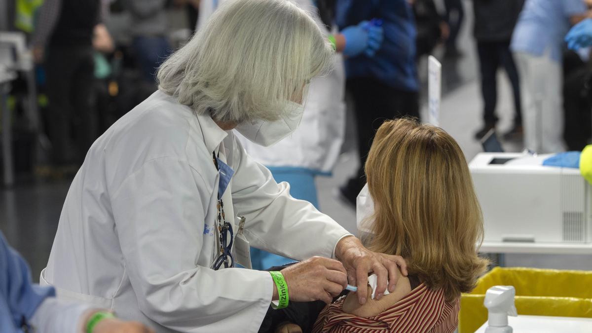 Calendario de vacunación del coronavirus: qué vacuna te toca y cuándo según tu grupo de edad.