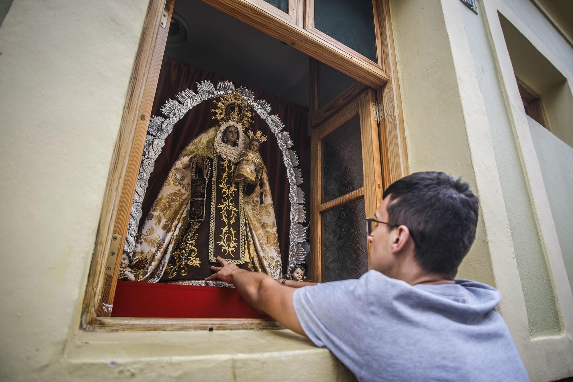 Exposición de altares por El Carmen