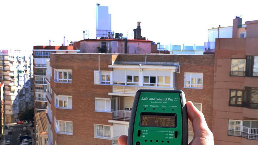Miedo ante unas antenas de telefonía