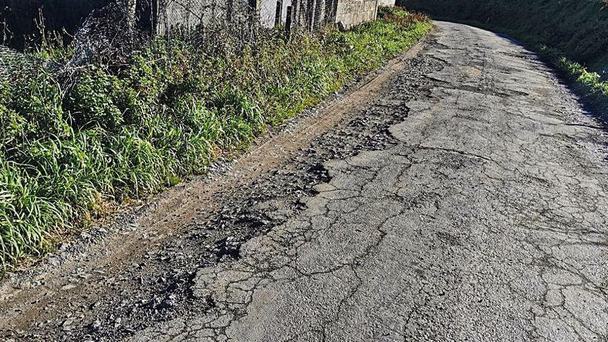 Contigo Silleda denuncia el mal estado del acceso al lugar de Cumbraos por la falta de drenaje en el vial
