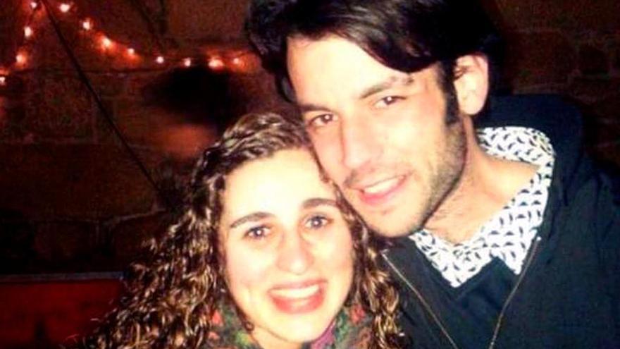 Los cadáveres de los dos españoles fallecidos en Sri Lanka llegan a España