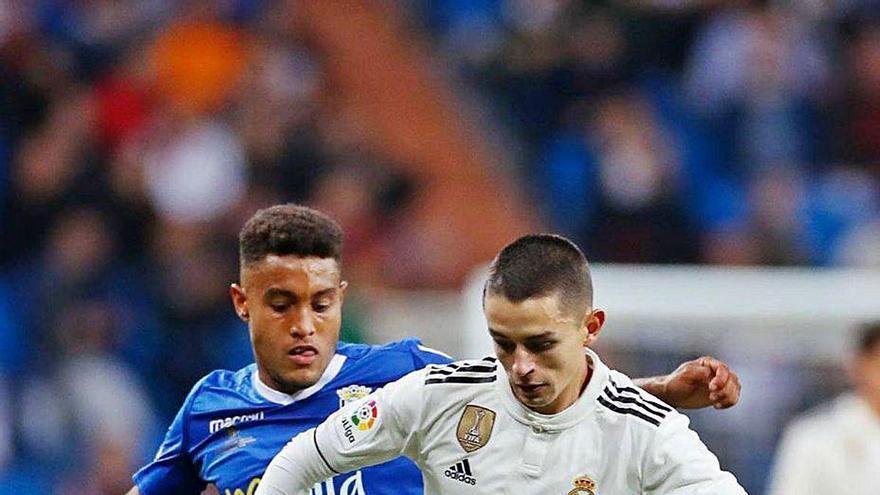 El Sporting vuelve a tantear a Álvaro Fidalgo