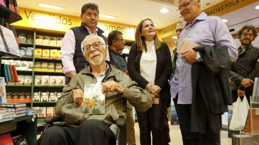 O escritor Bernardino Graña celebra os seus 87 anos cun novo libro para nenos