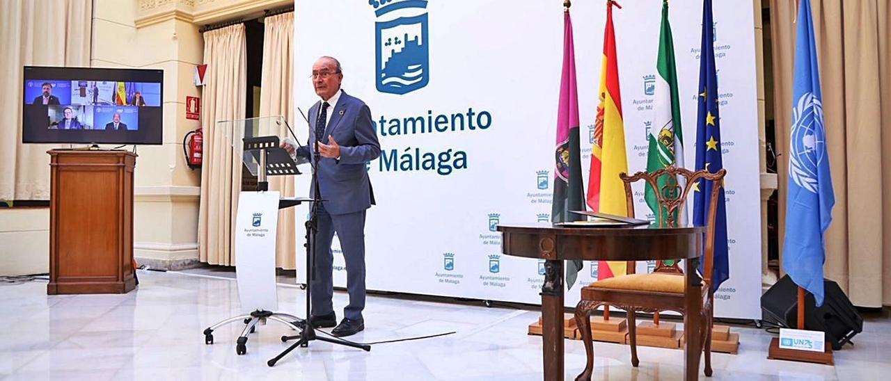 El alcalde de Málaga durante el acto ayer para la nueva oficina en la ciudad. |   // AYUNTAMIENTO DE MÁLAGA