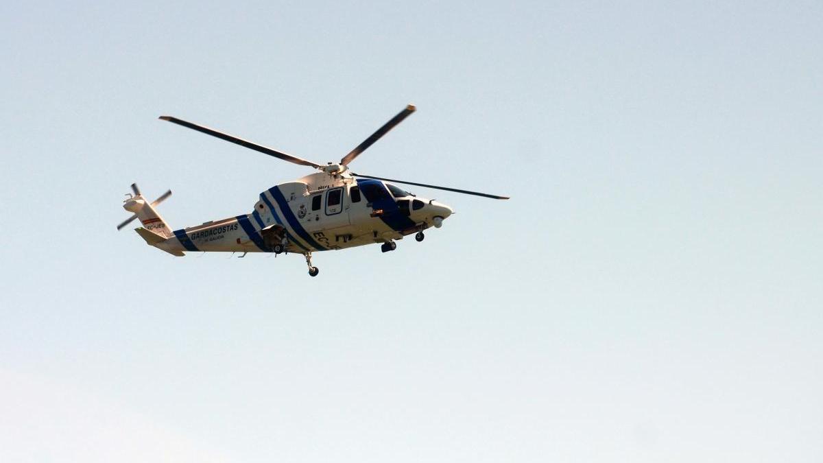 El helicóptero Pesca I de Gardacostas de Galicia. // Noé Parga