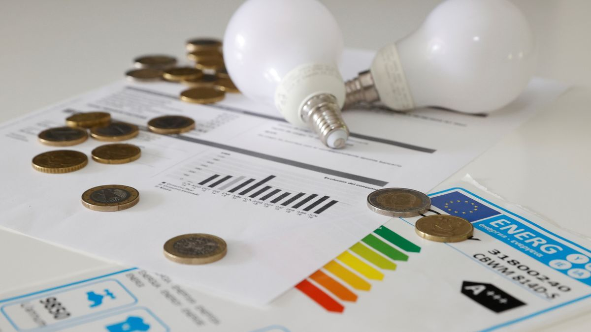 El precio mayorista de la luz sube el 7,5 % y supera por primera vez los 150 euros