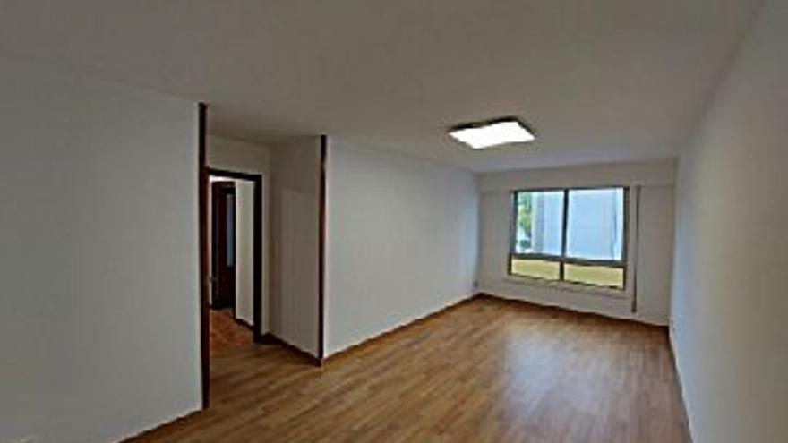 600 € Alquiler de piso en Labañou, Os Rosales (A Coruña) 100 m2, 3 habitaciones, 2 baños, 6 €/m2...