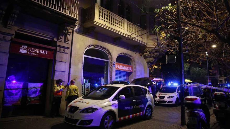 Cinco detenidos por retener a una mujer que buscaba droga en un piso de Barcelona