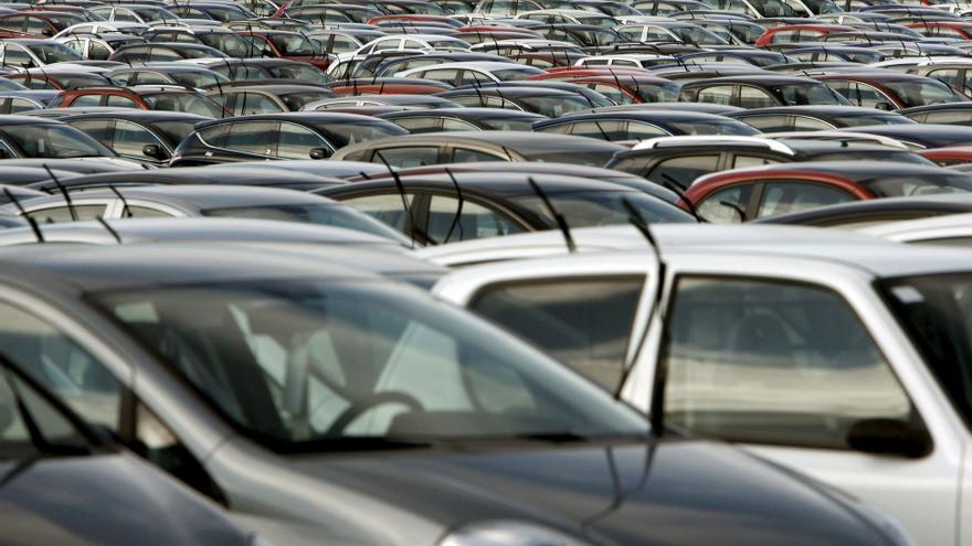 La matriculación de coches en España baja un 32% por el COVID