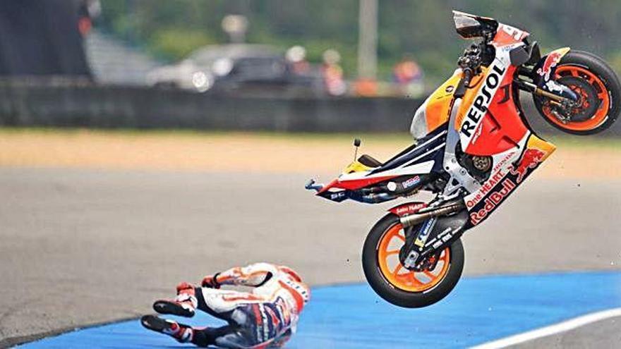 MOTO GP  Márquez, sisè en els lliures del GP de Tailàndia després de patir una forta caiguda