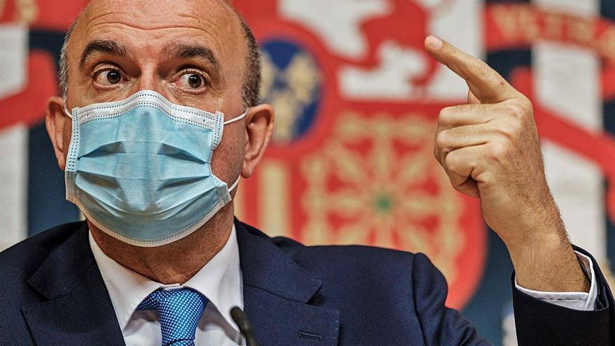 El Gobierno central niega que quiera  convertir Canarias en unas islas-cárcel