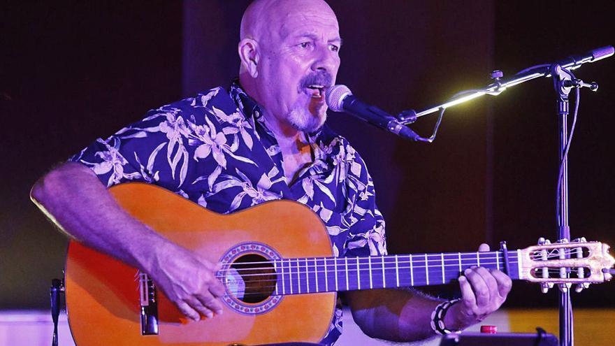 Javier Ruibal ofrece un concierto en el Rectorado de la UCO