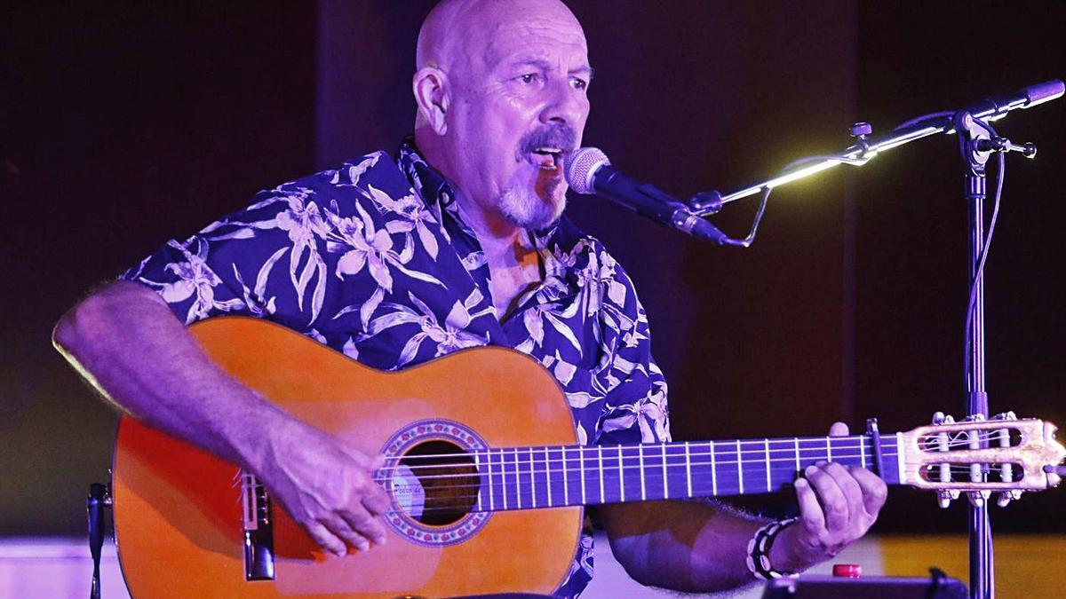 Javier Ruibal ofrece un concierto en el Rectorado de la UCO.