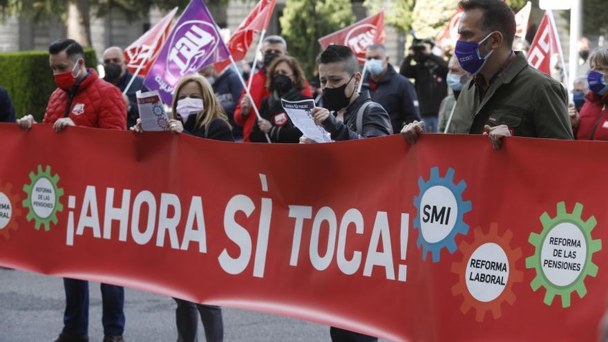 """UGT y CC OO prevén """"conflictividad"""" si el Gobierno de Sánchez """"no cumple con la reforma laboral"""""""