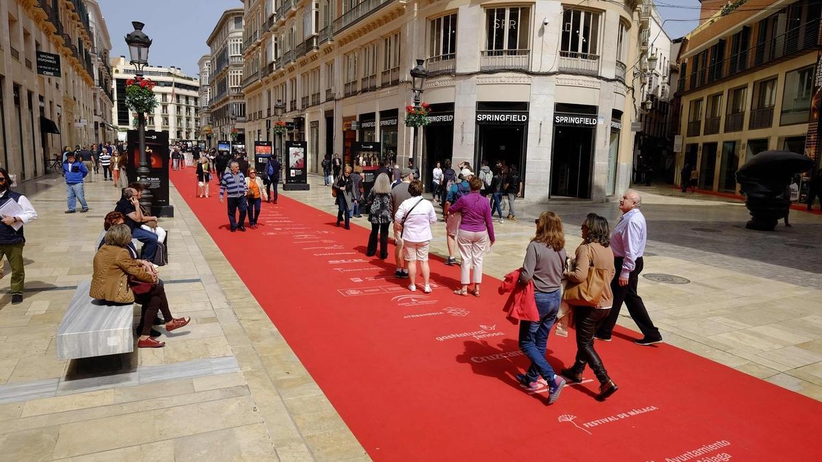 Una imagen de la calle Larios con la alfombra roja del Festival