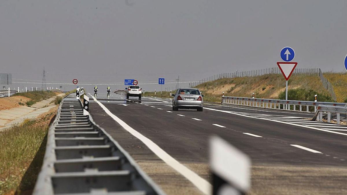 Autovía A-66 en el tramo entre Benavente y Zamora.