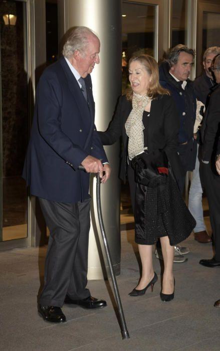 Don Juan Carlos de Borbón, se despide de Ana Pastor en el tanatorio