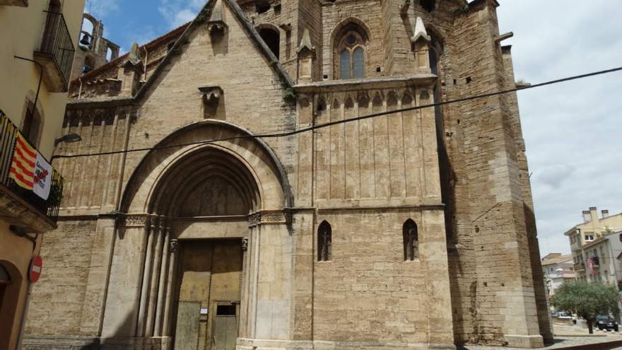 Les campanes de Santa Maria de Banyoles deixen de sonar a la nit per les queixes de l'amo d'uns pisos turístics