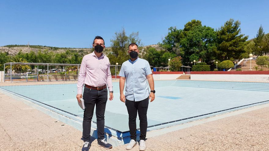 Las Piscinas Municipales de Elda abrirán al público el último viernes de junio